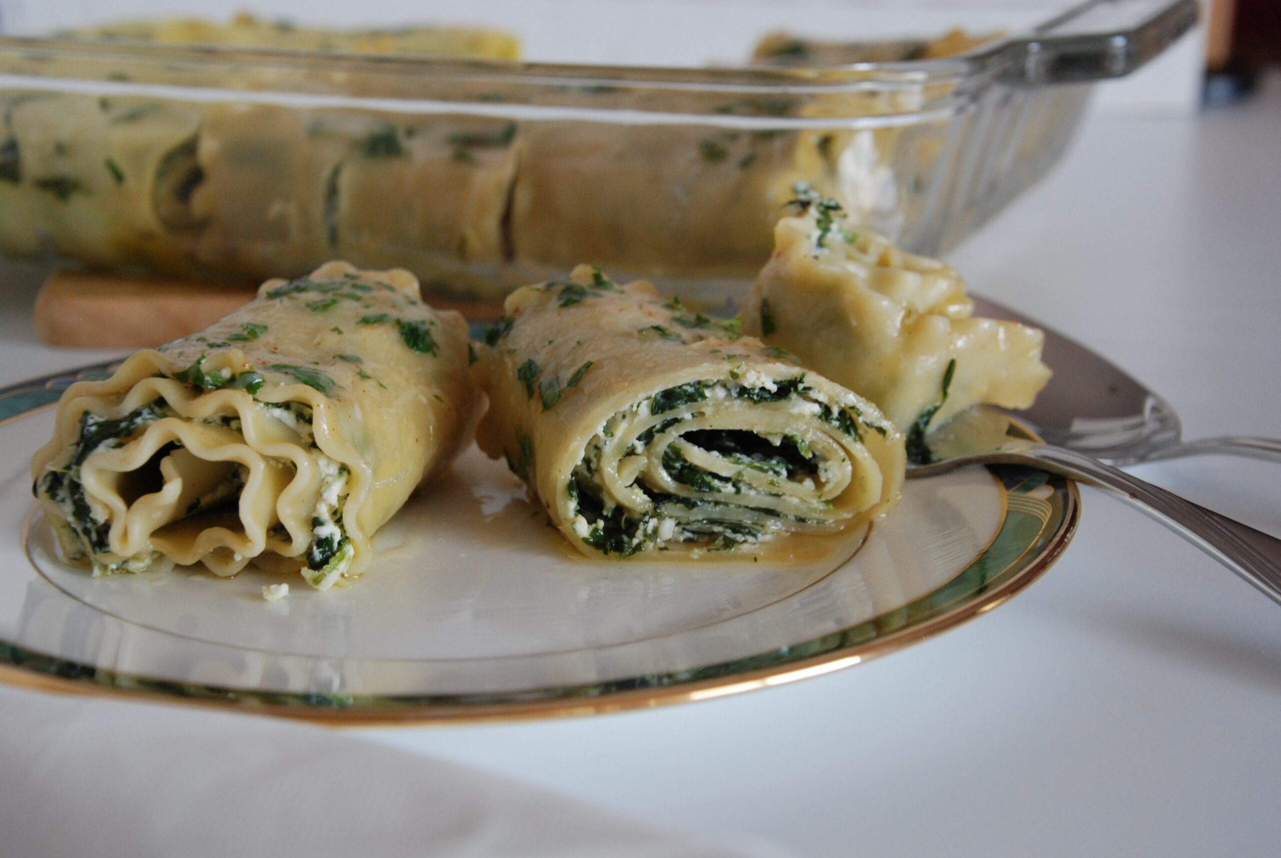 Spinach and Ricotta Pasta Rolls