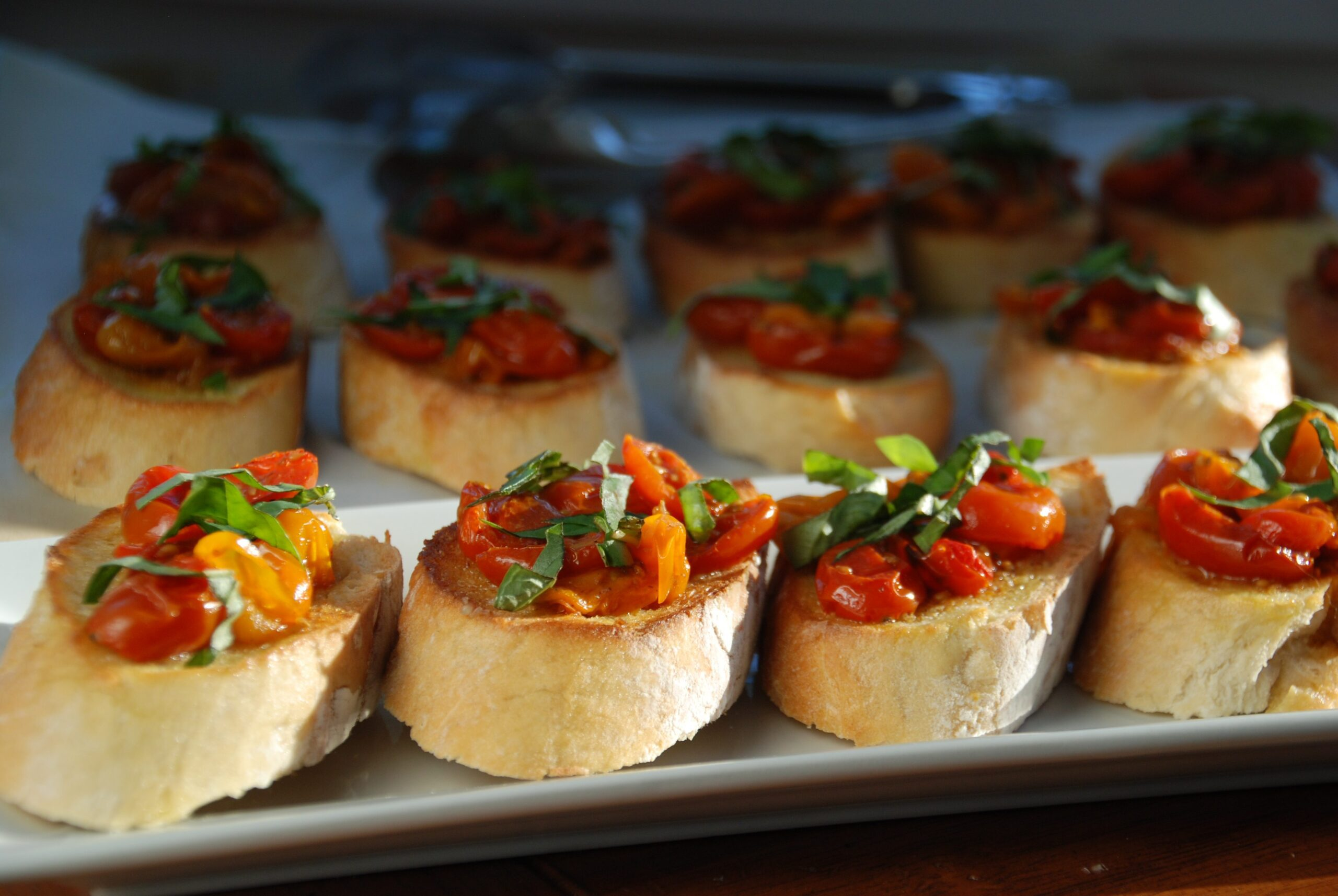 Manischewitz Roasted Tomato & Garlic Bruschetta